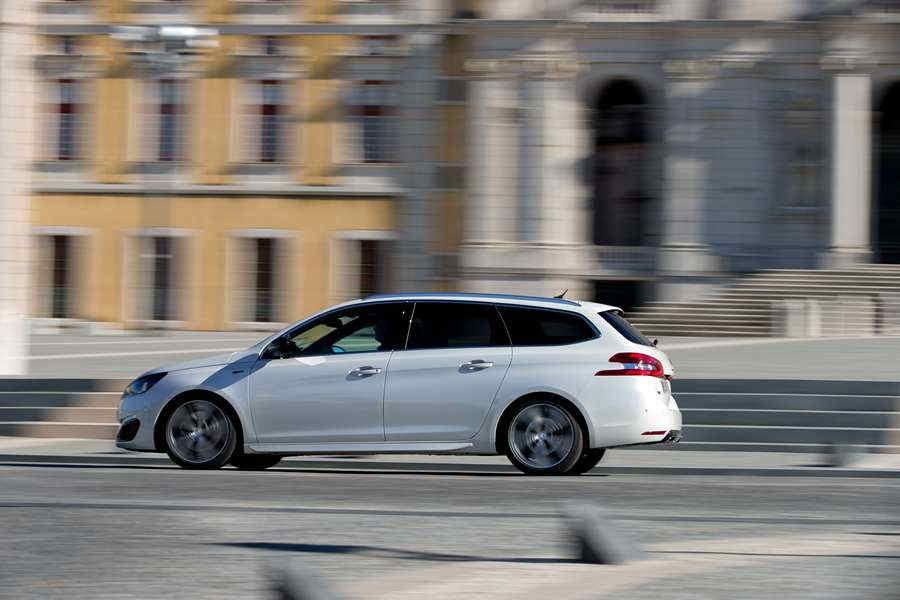 Photo of Peugeot 308 GT SW
