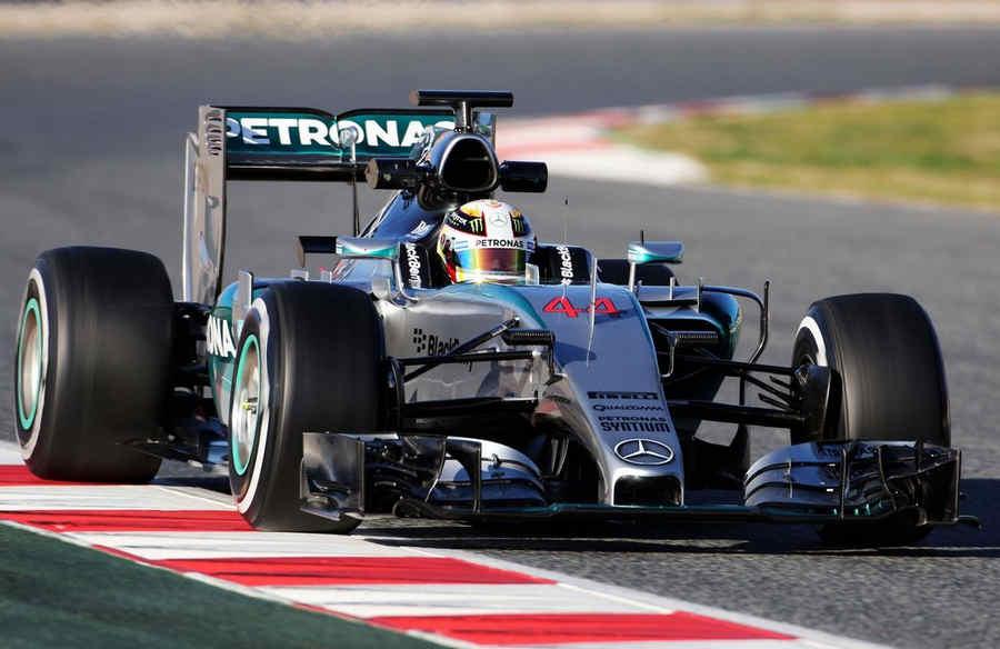 F1-Mercedes-AMG-2015-1