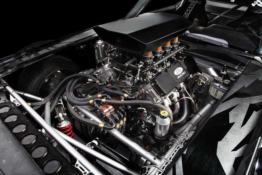 I numeri della RTR - Ford Mustang Hoonycorn 2014 – Anno di presentazione della Hoonycorn 1964 – Anno di nascita della Mustang 50 – Anni di età della Mustang 845 – Potenza max CV 99,5 – Coppia max kgm 8 – Cilindri del motore 6,4 – litri di cilindrata 4 – Ruote motrici permanenti 6 – marce cambio sequenziale 18 – Diametro ruote in pollici 3 – Pezzi ruote scomponibili 3 – Volumi della carrozzeria (notchback)