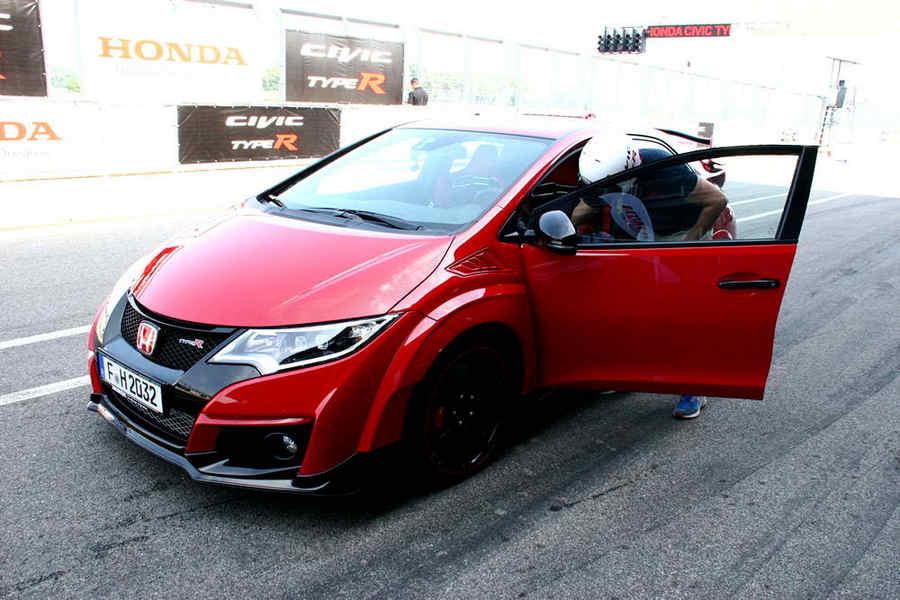 Photo of Honda Civic Typer R 2015 Press Launch