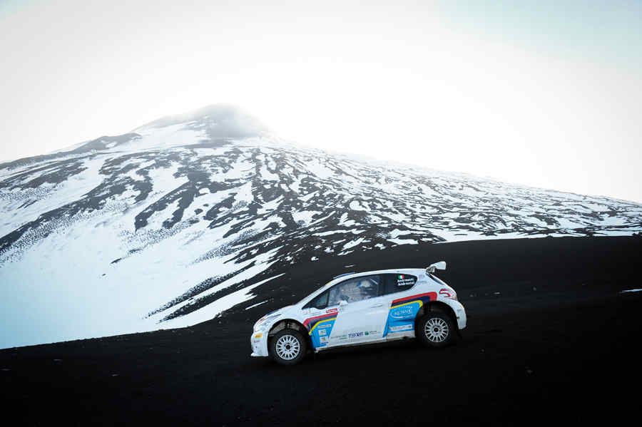 Andreucci scalata Etna con Peugeot 208 T16 -02