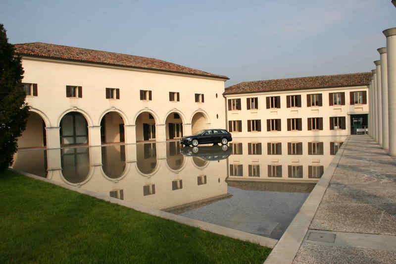 Photo of AUDI A4 Press Launch Italia FABRICA (TV)