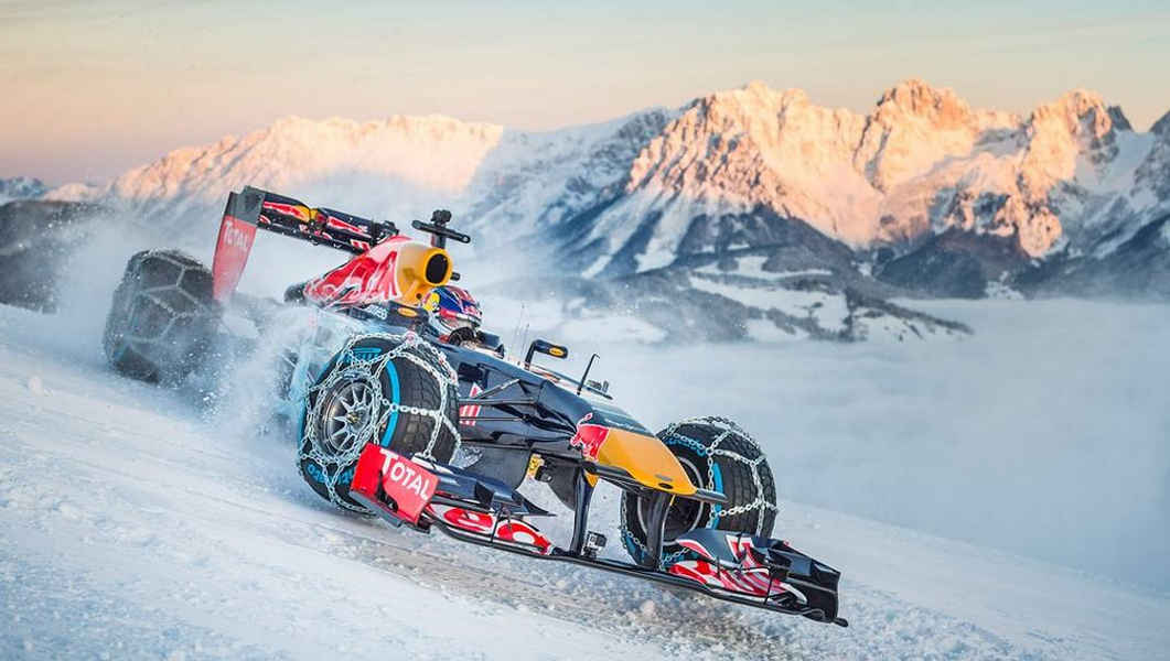 Photo of F1 RED BULL SHOW SULLA NEVE