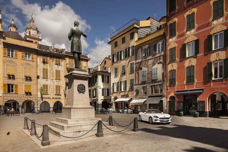 italy, liguria, chiavari: piazza Mazzini