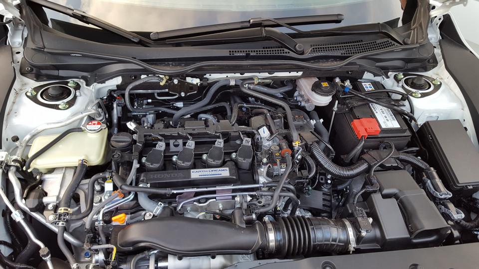 Vano motore VTEC nuova Honda Civic 2017