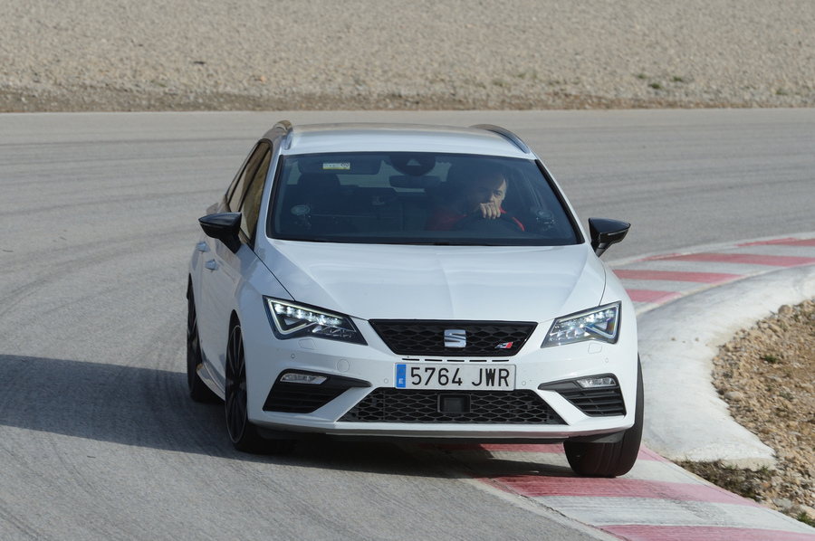 Photo of Seat Leon Cupra, Ora Con 300 Cv!