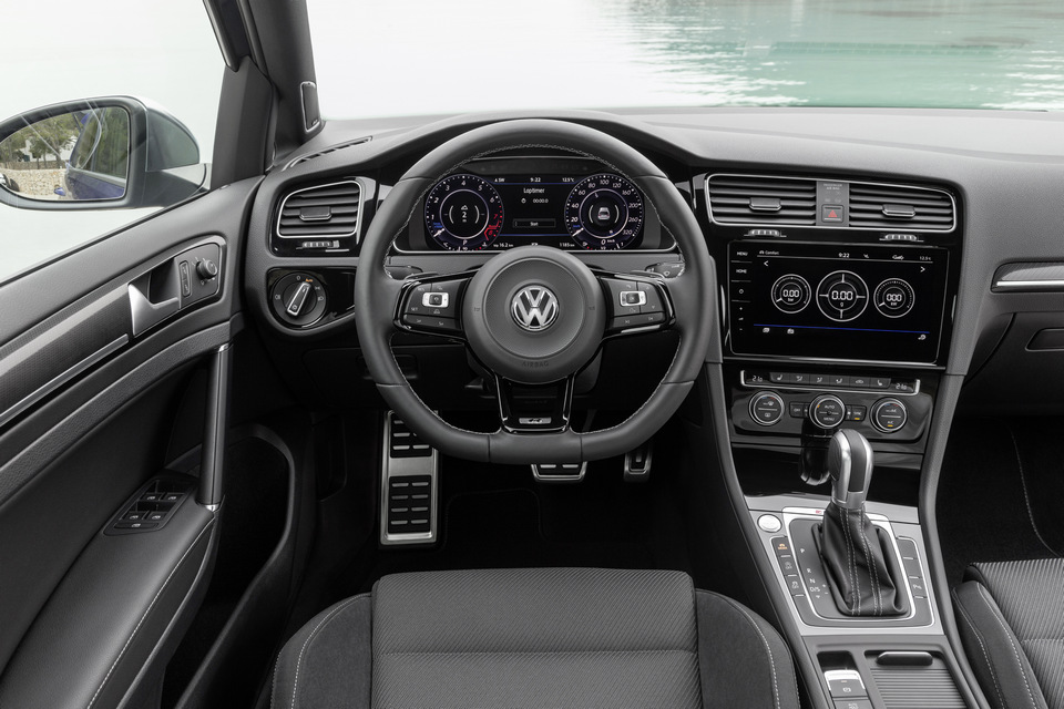 Volkswagen_Golf_R_Dettagli_2017_prime_immagini_05