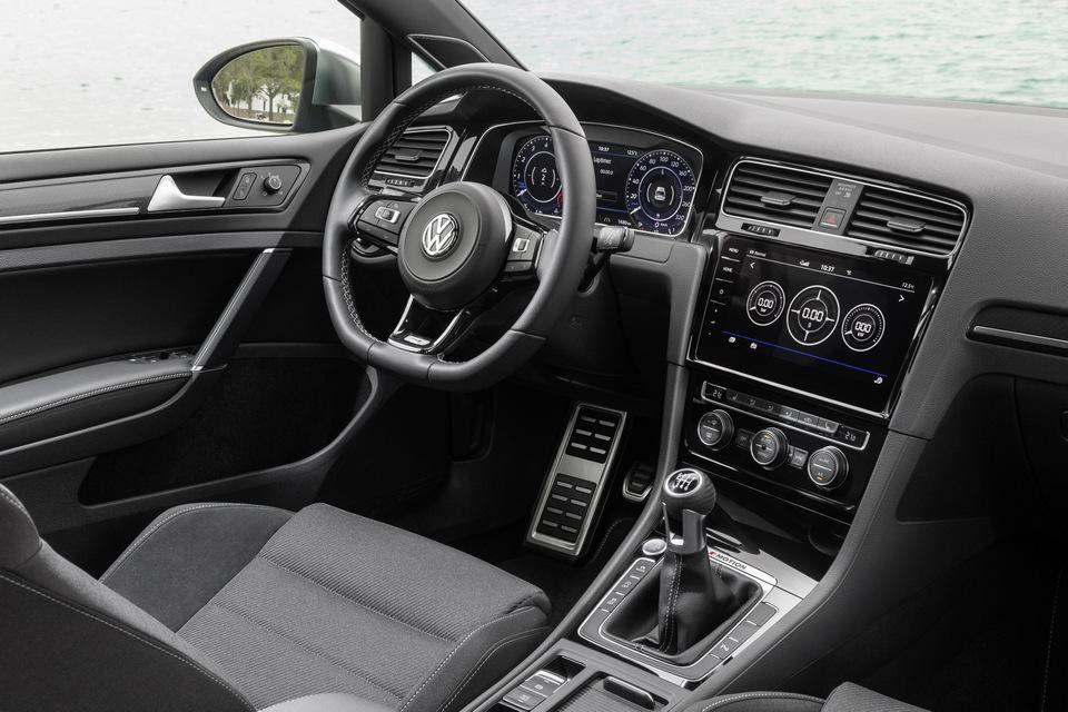 Volkswagen_Golf_R_Dettagli_2017_prime_immagini_06