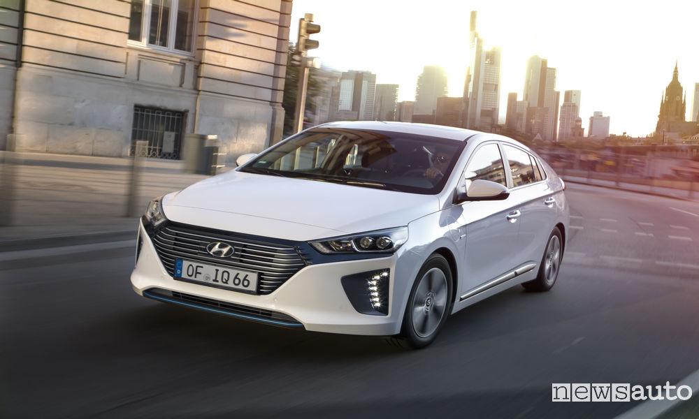 Hyundai Ioniq 10 auto ibride più vendute in italia