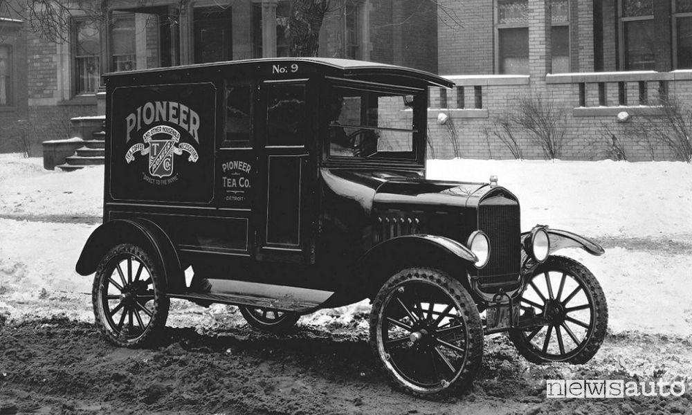 Photo of Foto modelli della storia dei veicoli commerciali Ford