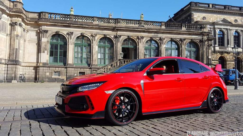 Honda Civic Type R con freni Brembo su dischi da 350 mm