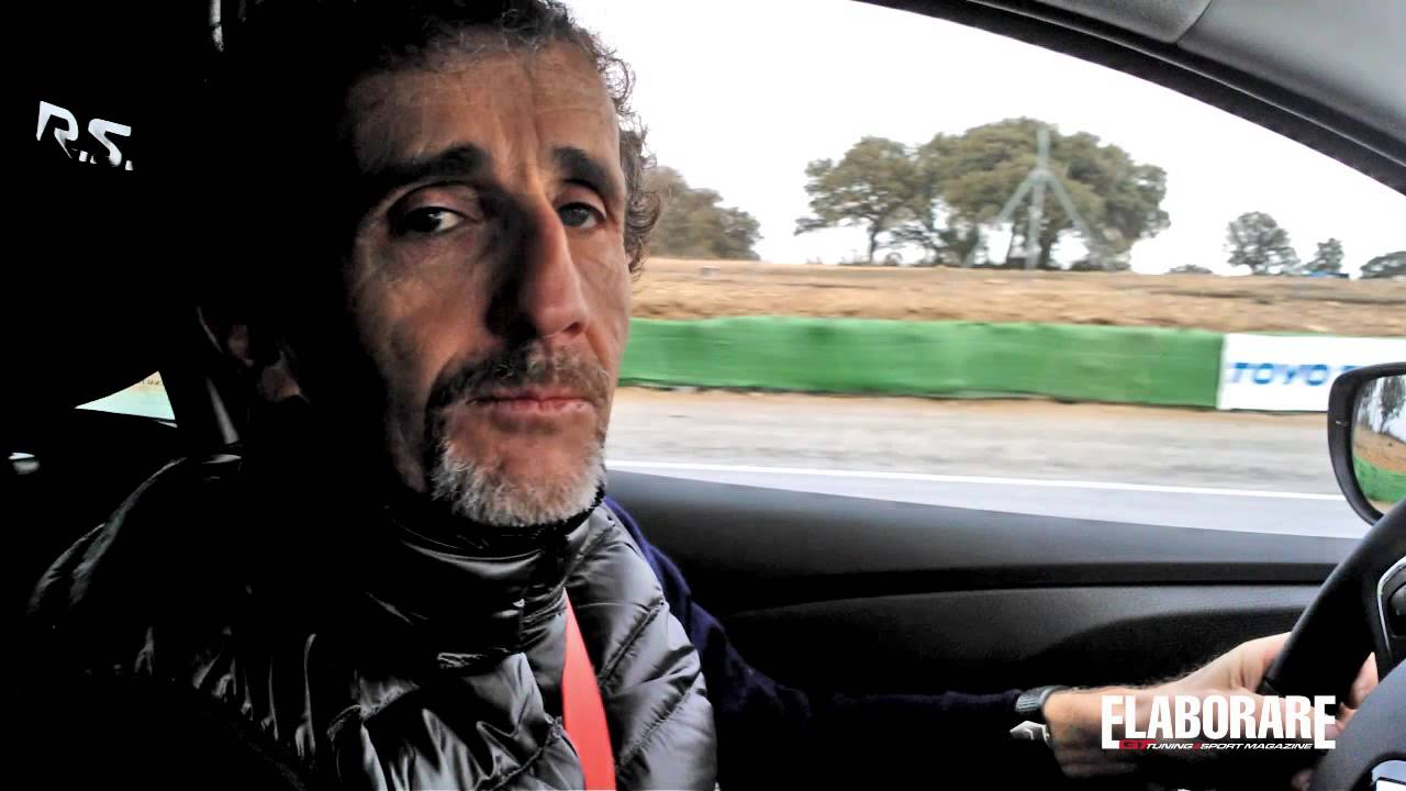 Photo of Alain Prost alla guida della Renault Clio RS VIDEO GRANADA
