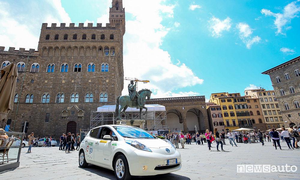 Photo of I tassisti di Firenze su Nissan Leaf Enel Edition