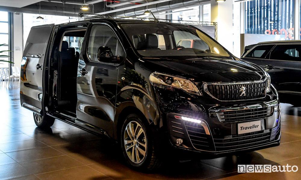 Peugeot Traveller Business VIP