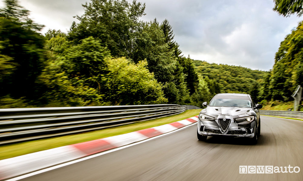 Photo of Foto giro record Alfa Romeo Stelvio Quadrifoglio Nürburgring