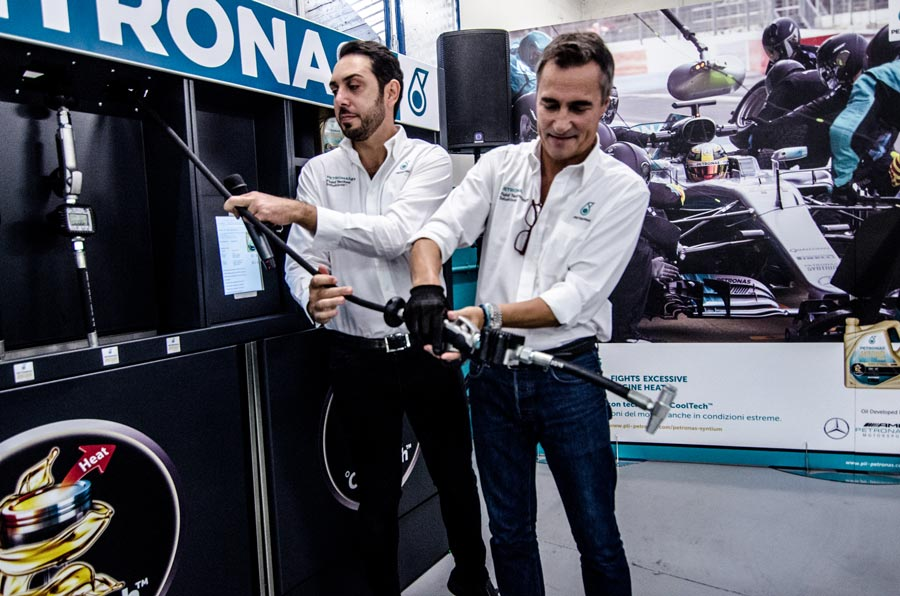 Officina Petronas Autobox Rivalta