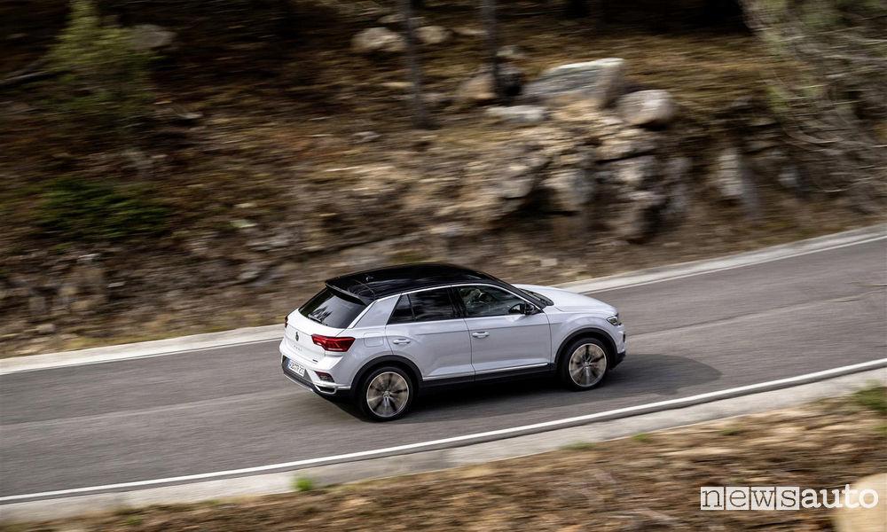 Volkswagen T-Roc crossover compatto