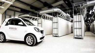 magazzino ricambi per auto elettriche