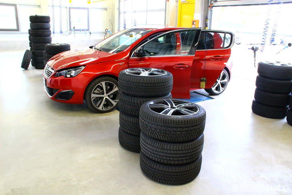 Test pneumati invernali con  Bridgestone, Continental, Goodyear, Hankook e Michelin.