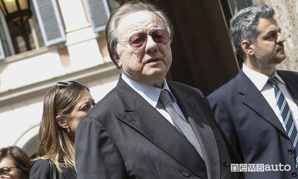 Incidente mortale tra una BMW ed una Nissan muore l'ex ministro Matteoli