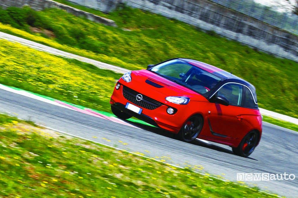 Opel Adam in pista