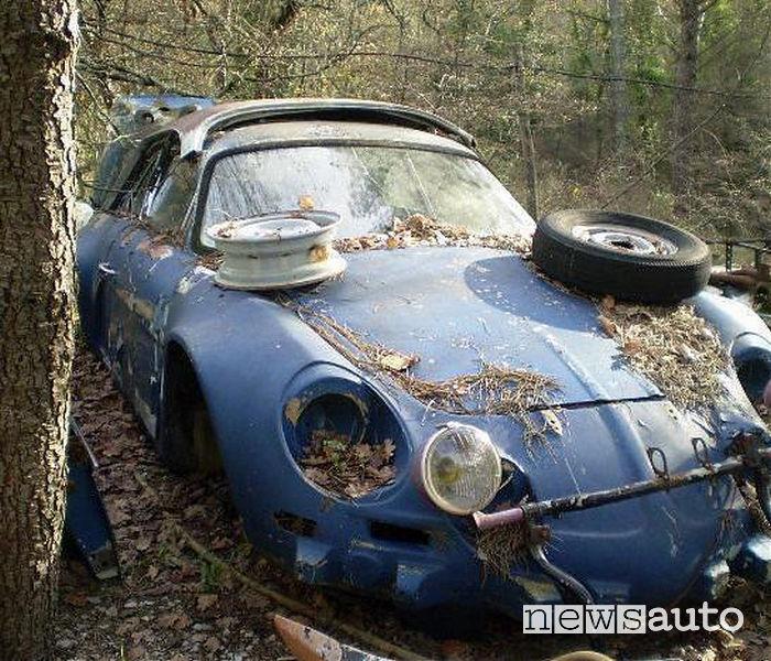 foto auto sportive abbandonate renault alpine