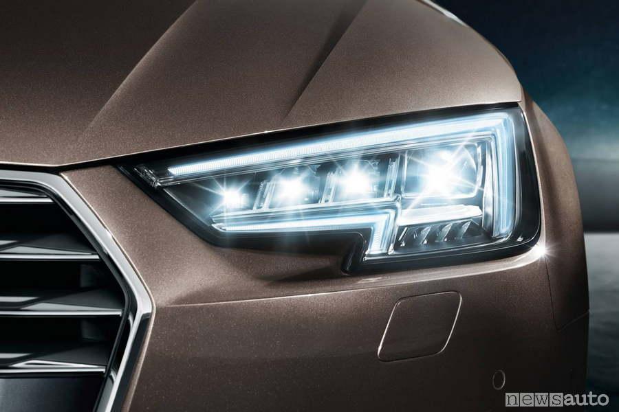Fari a led Oled Audi