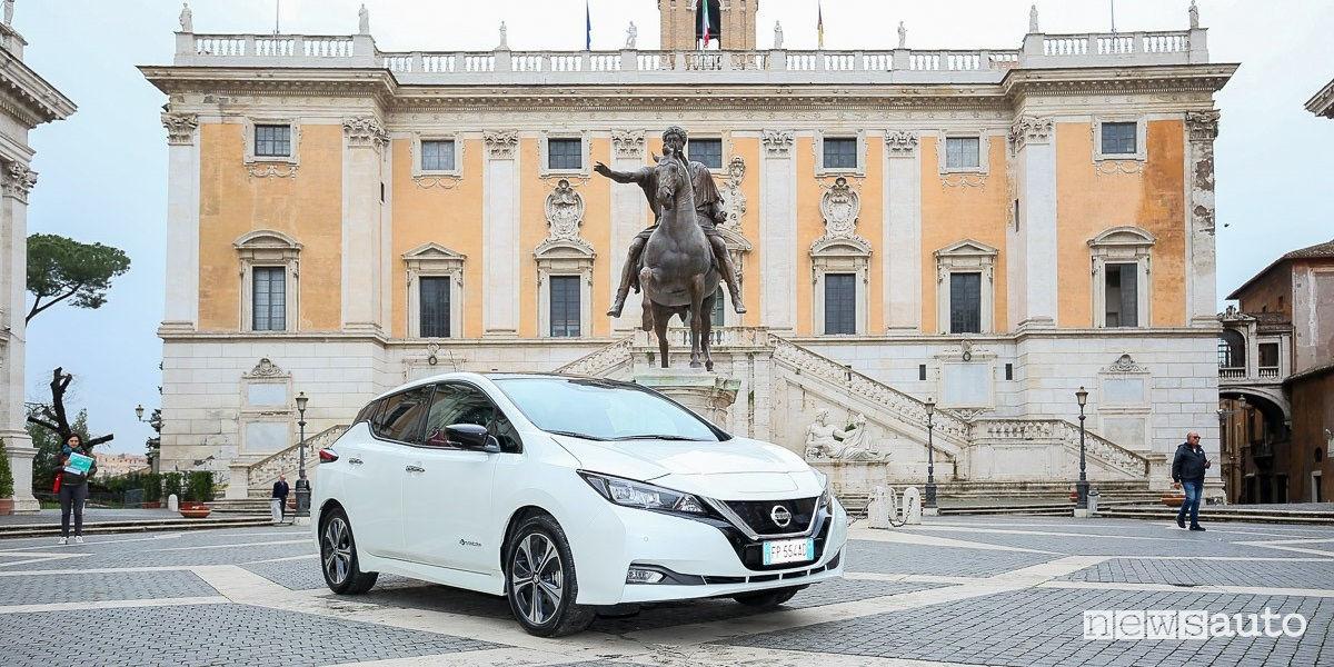 Nissan Leaf auto comune di Roma