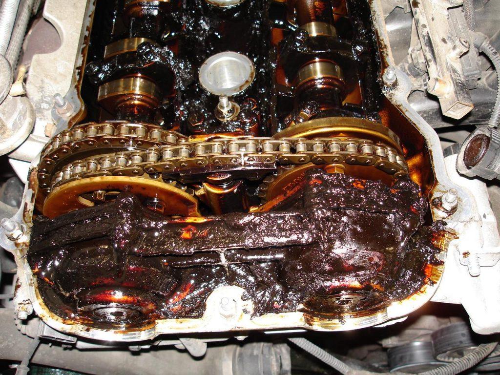 Morchia olio motore errato