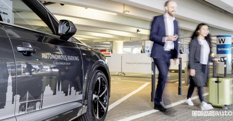 Parcheggio autonomo Volkswagen all'aeroporto di Amburgo