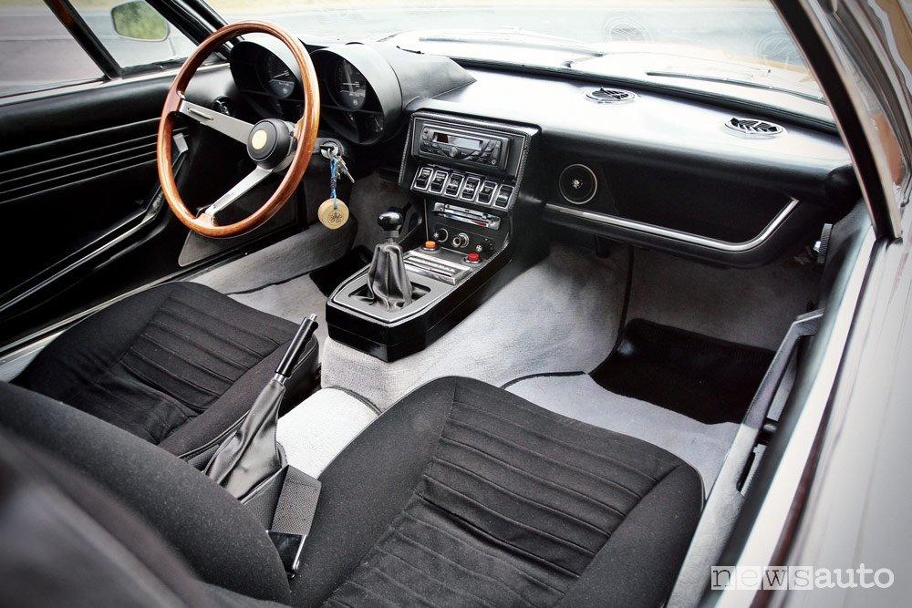 Alfa Romeo Montreal 2.6 V8 interni