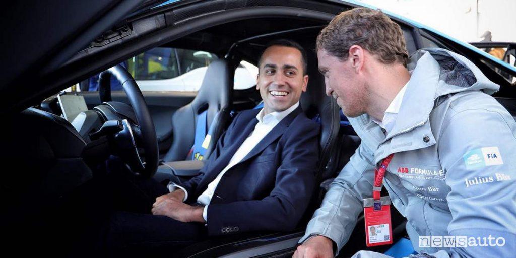"""Vicepremier Luigi Di Maio si esprime sul bollo auto: """"una tassa ingiusta"""""""