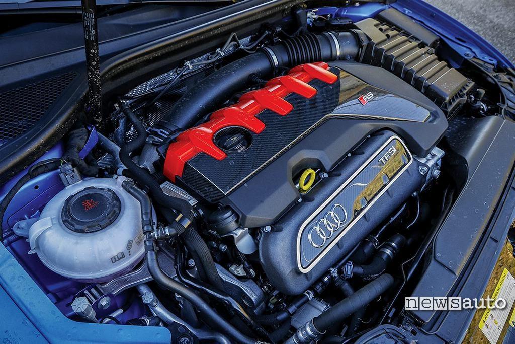 Audi RS3 2018 motore 400 cavalli