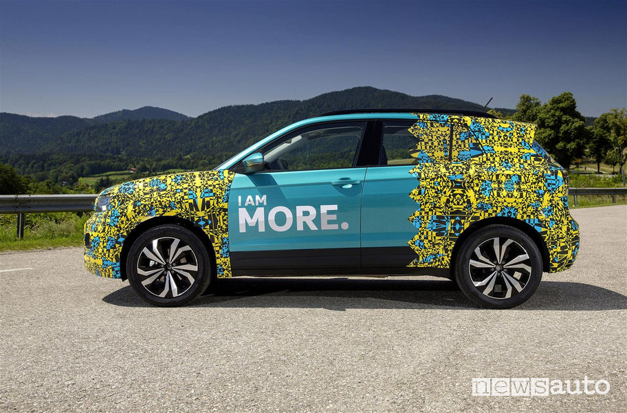 Laterale VW T-Cross livrea camouflage