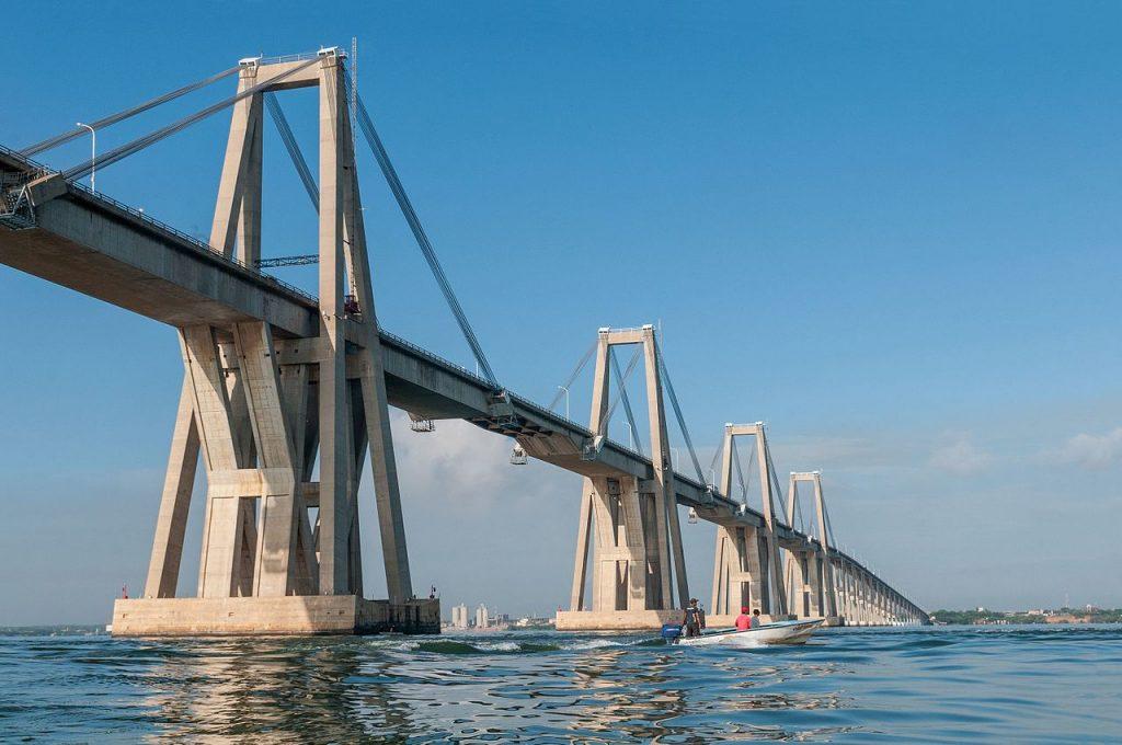 Ponte General Rafael Urdaneta che attraversa il lago di Maracaibo con la stessa tecnica costruttiva del ponte Morandi