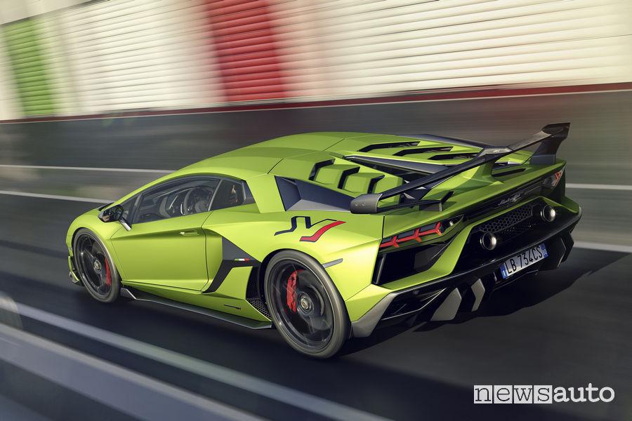 Lamborghini_Aventador SVJ vista posteriore
