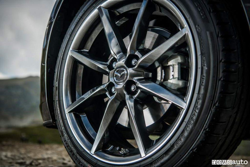 Ruote in lega d'alluminio verniciate in Nero Metallizzato Mazda MX-5