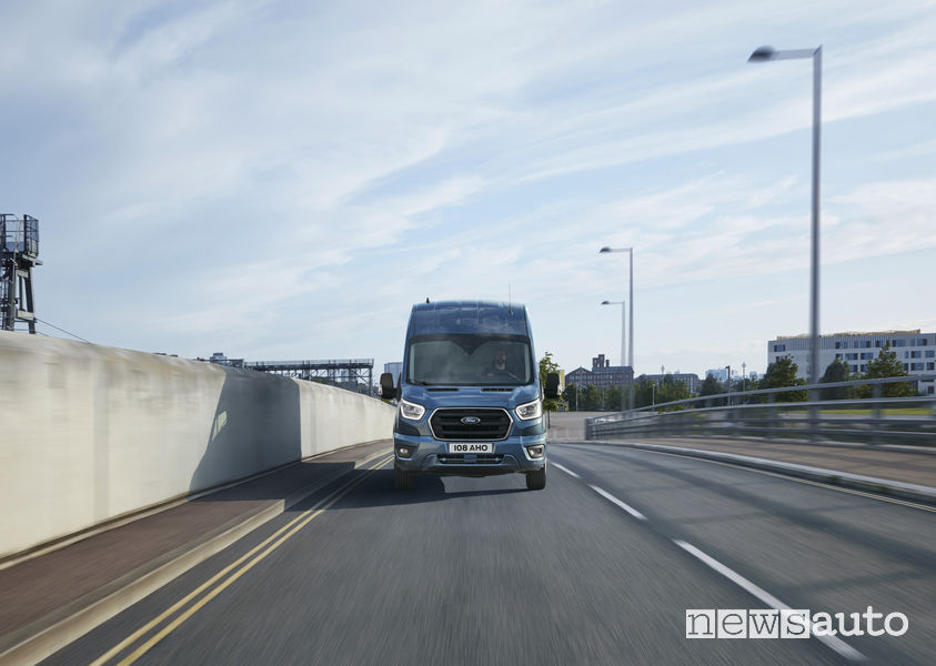 Nuovo Ford_Transit 2019, vista frontale