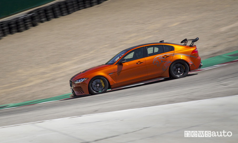 Jaguar XE SV Project 8, record Laguna Seca