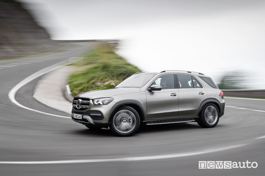 Mercedes-Benz GLE 2019, vista laterale