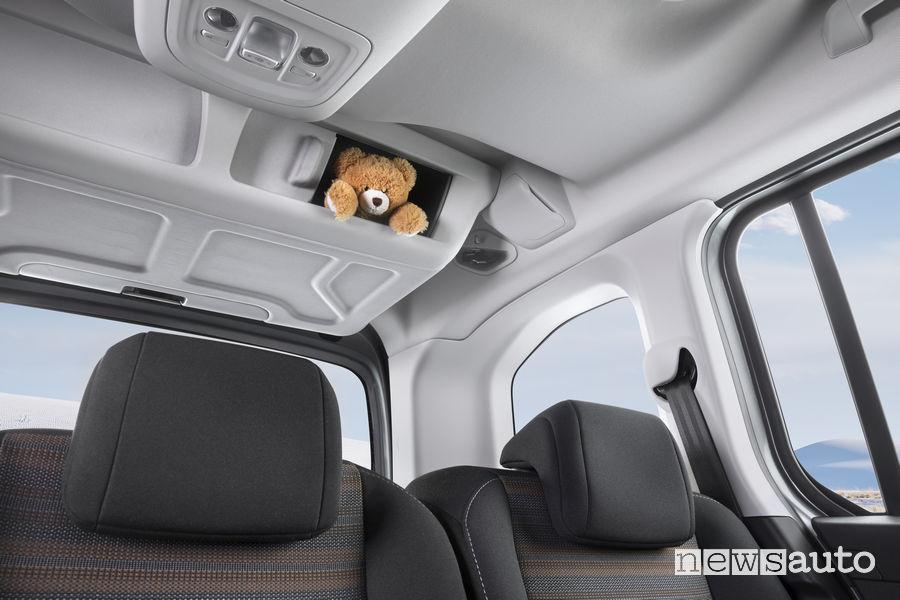 Opel_Combo Life 2019, vano portaoggetti sopra la cappelliera nel bagagliaio