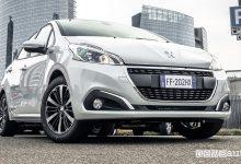 Peugeot 208 serie speciale Signature, vista frontale