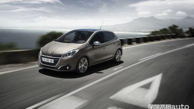 Peugeot 208, vista di profilo