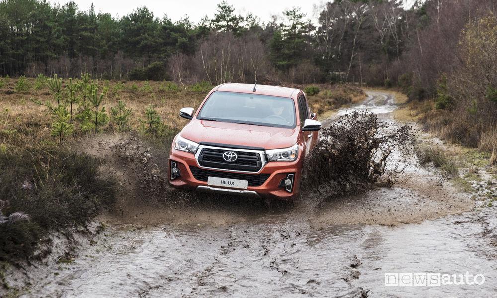 Toyota_Hilux Executive+ 2019, guado
