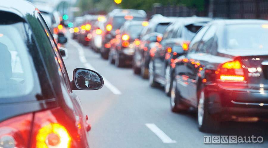 traffico in tempo reale soluzioni per evitarlo app smartphone