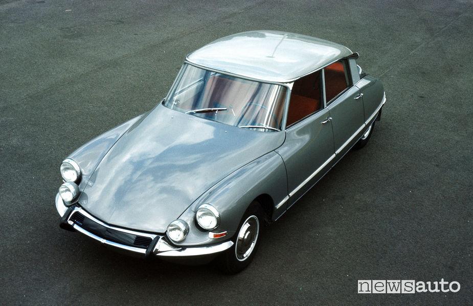 DS19 Pallas 1964, vista di profilo
