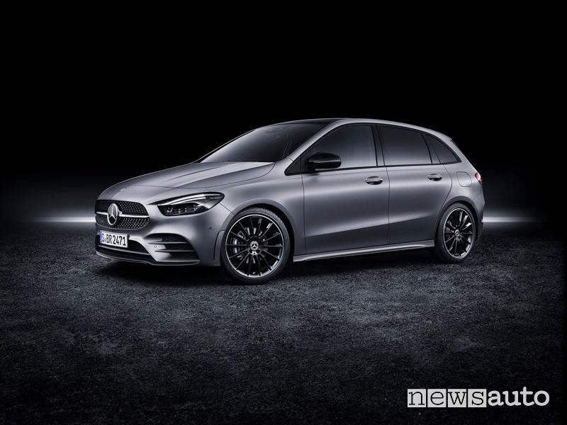 Mercedes-Benz Classe B 2019 AMG Line, vista di profilo