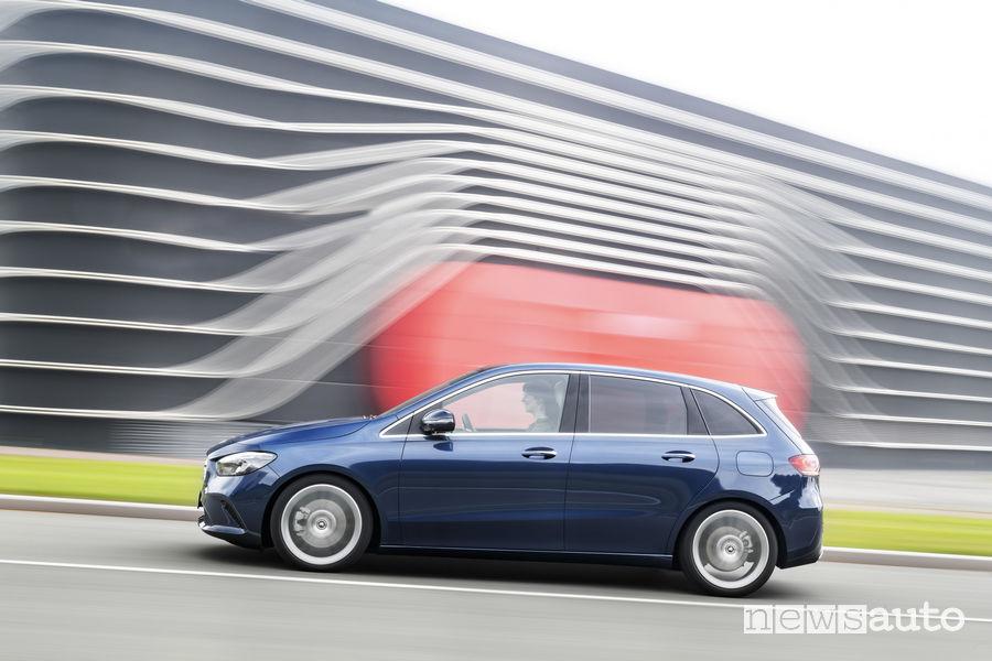 Mercedes-Benz Classe B 2019 blue, vista laterale