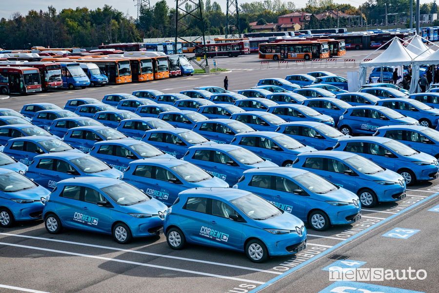 """Corrente"" car-sharing elettrico a Bologna con Renault Zoe"