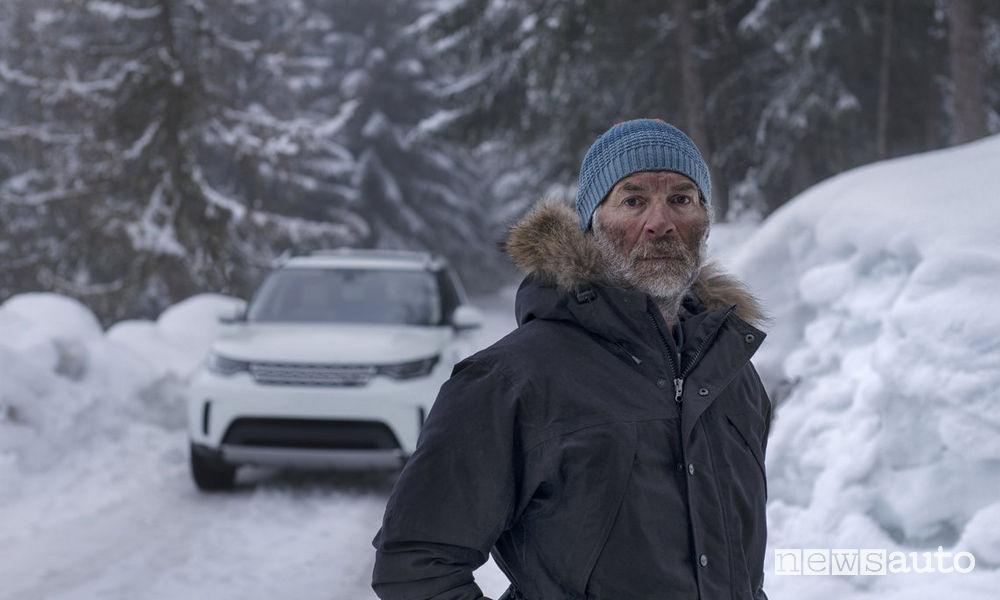 """Artista di """"snow art"""" Simon Back"""